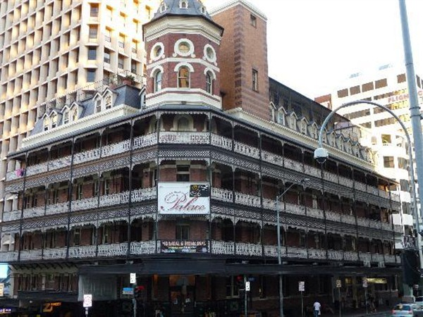 Base Brisbane Backpackers Central - VIC Tourism