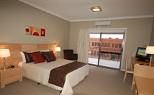 Centrepoint Apartments - VIC Tourism