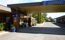 Nicholas Royal Motel - Hay - VIC Tourism