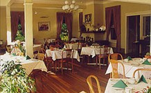 Closeburn House - - VIC Tourism