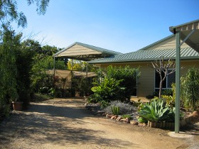 Olas Holiday House - VIC Tourism
