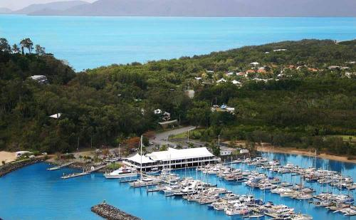 Beachfront Holiday Apartments Cairns