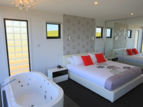 Horizon Deluxe Apartments - VIC Tourism