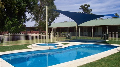 Carn Court Holiday Apartments - VIC Tourism