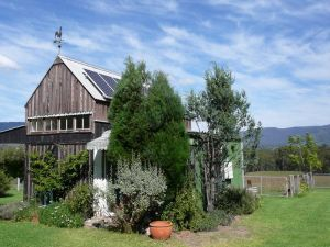 Runnymeade Garden Studio Bed and Breakfast - VIC Tourism