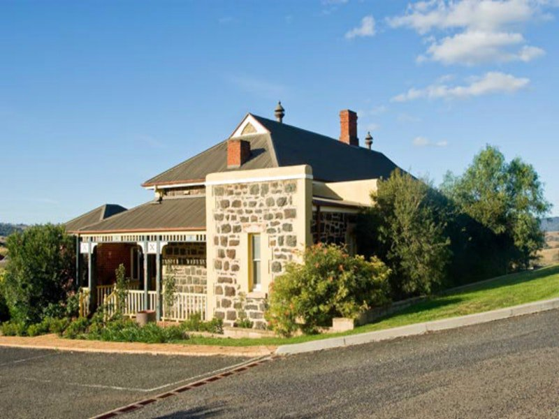 Hermitage Hill Resort - VIC Tourism