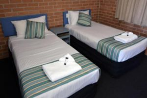 The Oaks Hotel Motel  - VIC Tourism