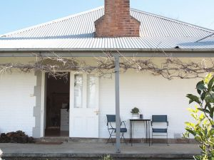 Old Schoolhouse Milton - VIC Tourism