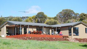 Penneshaw Lodge - VIC Tourism