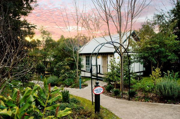 Olinda Country Cottages - VIC Tourism