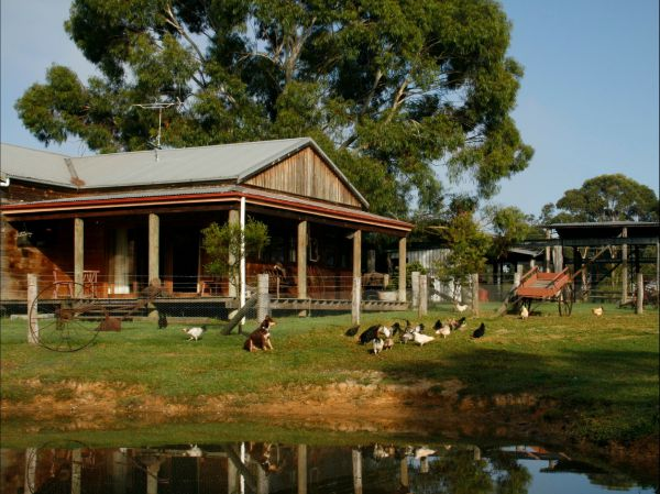Tobruk Sydney Farm Stay - VIC Tourism