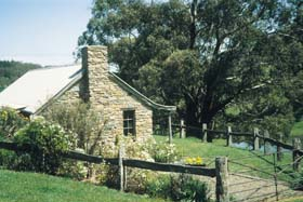 Adelaide Hills Country Cottages - Gum Tree Cottage - VIC Tourism