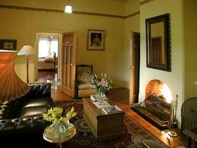 Buxton Manor - Garden and Loft Apartment - VIC Tourism