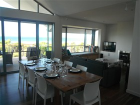 Cassini Beach House - VIC Tourism