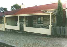 Lavender Cottage Bed And Breakfast Accommodation - VIC Tourism