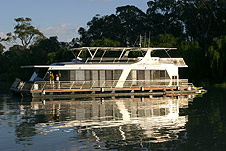 Whitewater Houseboat - VIC Tourism