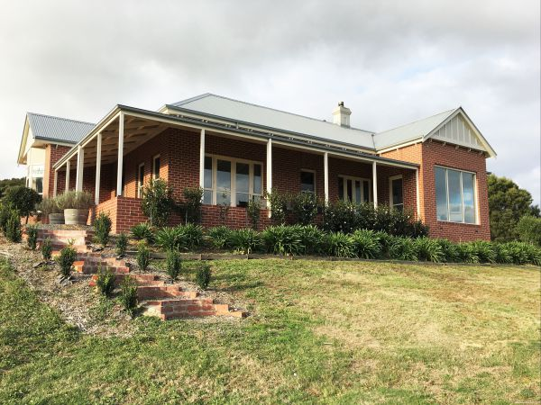 Shearer's Hill - Luxury Farm Stay