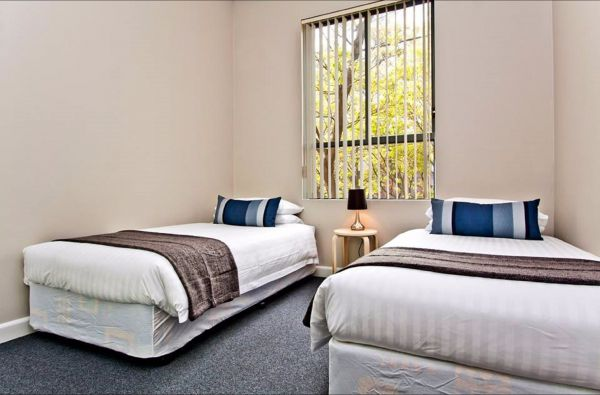 Ryals Serviced Apartments - Camperdown - VIC Tourism