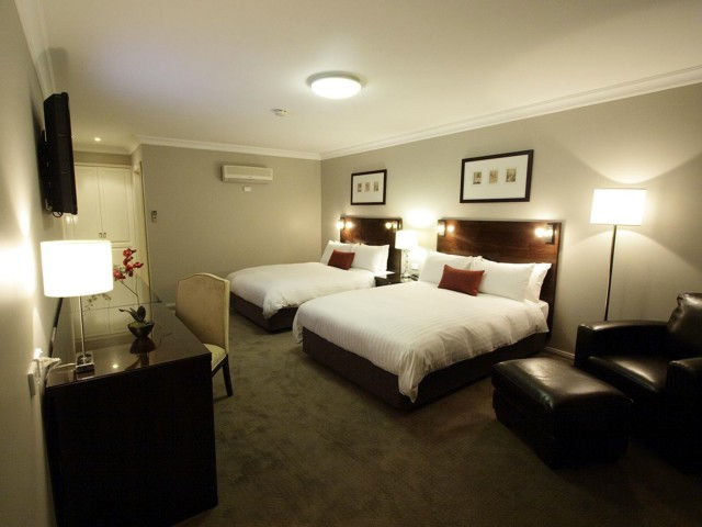 Carlyle Suites  Apartments - VIC Tourism