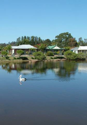 Coachhouse Marina Resort - VIC Tourism