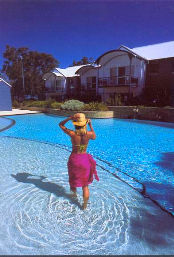 Mandurah Quay Resort - VIC Tourism