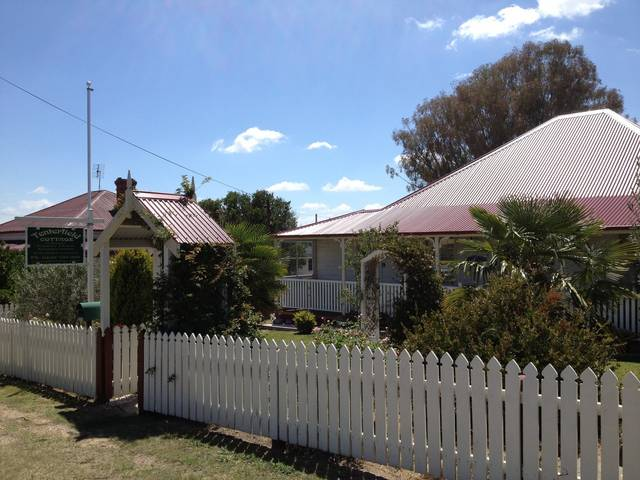 Tenterfield Luxury Historic c1895 Cottage - VIC Tourism
