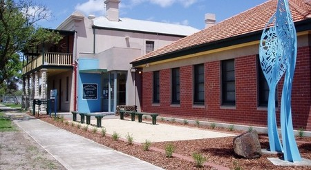 Hunt Club Community Arts Centre - VIC Tourism