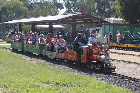 Altona Miniture Railway - VIC Tourism