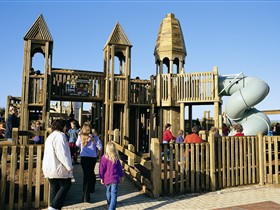 Jubilee Park Adventure Playground - VIC Tourism