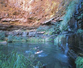 Dales Gorge and Circular Pool - VIC Tourism