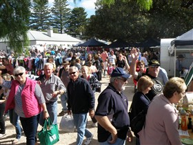 Stansbury Seaside Markets - VIC Tourism