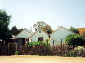 Miners Cottage And Garden - VIC Tourism