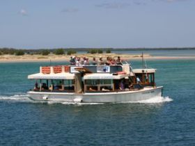 Caloundra Cruise - VIC Tourism