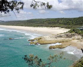 Main Beach North Stradbroke Island - VIC Tourism
