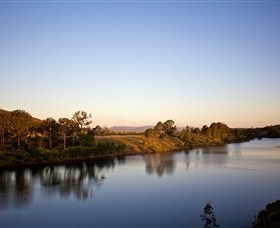 Lake Wivenhoe - VIC Tourism