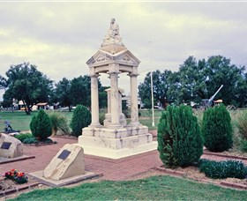 Weeping Mother Memorial - VIC Tourism