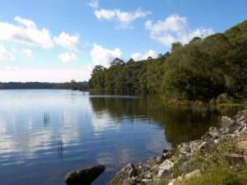 Lake Paluma - VIC Tourism