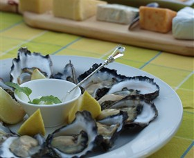 Oyster Shed on Wray Street - VIC Tourism