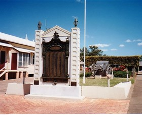 Gayndah War Memorial - VIC Tourism