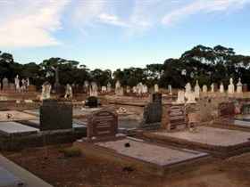 Langhorne Creek Cemetery - VIC Tourism