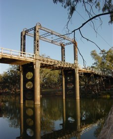 The Historic Barwon Bridge - VIC Tourism
