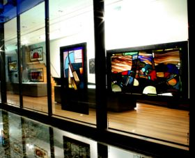 National Art Glass Collection - VIC Tourism