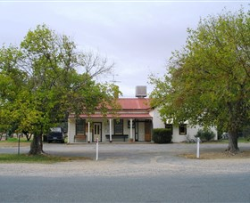 Round Hill Hotel - VIC Tourism