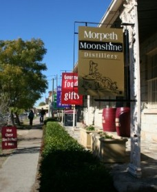 Morpeth Wine Cellars and Moonshine Distillery - VIC Tourism