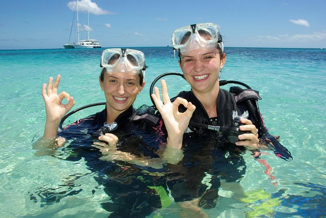 Ocean Spirit Michaelmas Cay Dive and Snorkel Cruise from Palm Cove - VIC Tourism