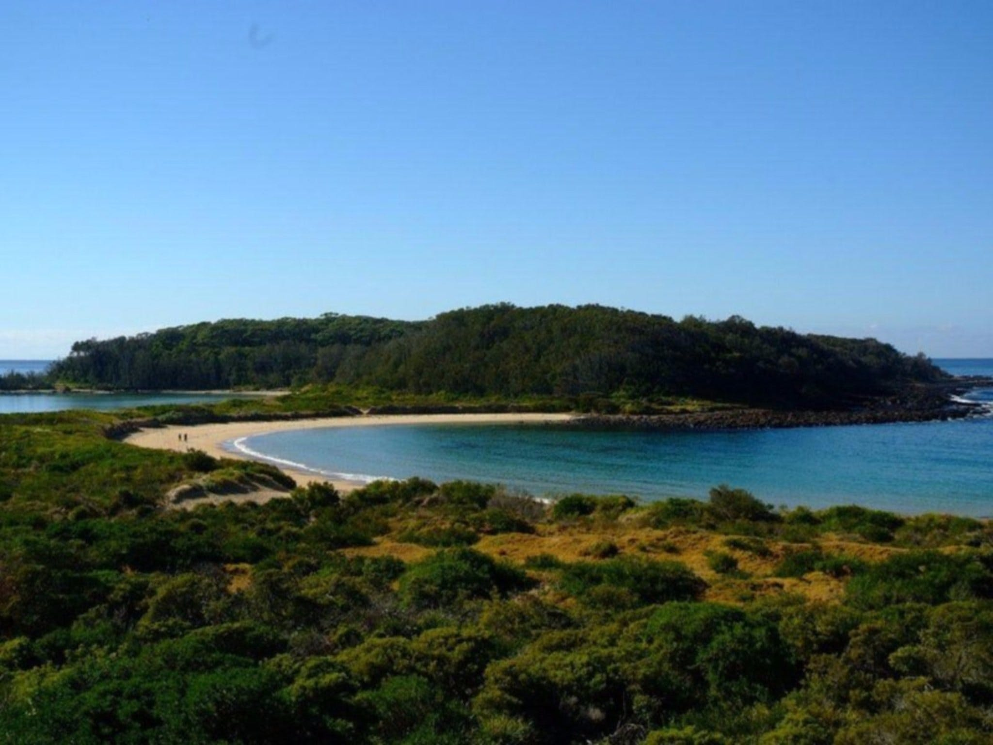 Broulee Island Nature Reserve Walk - VIC Tourism