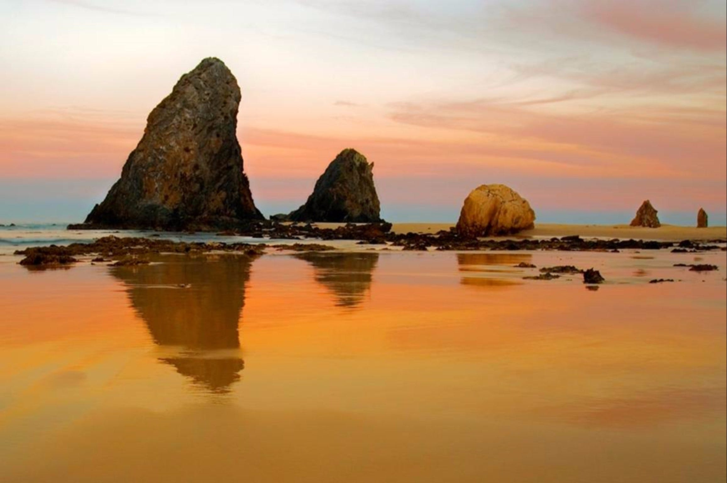 Glasshouse Rocks and Pillow Lava - VIC Tourism