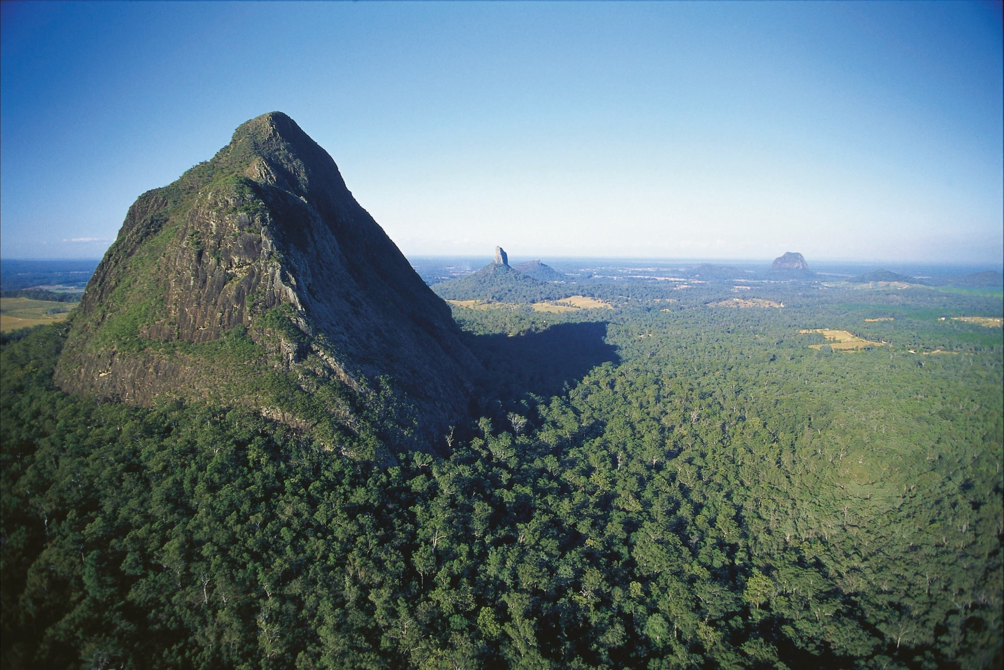 Glass House Mountains National Park - VIC Tourism