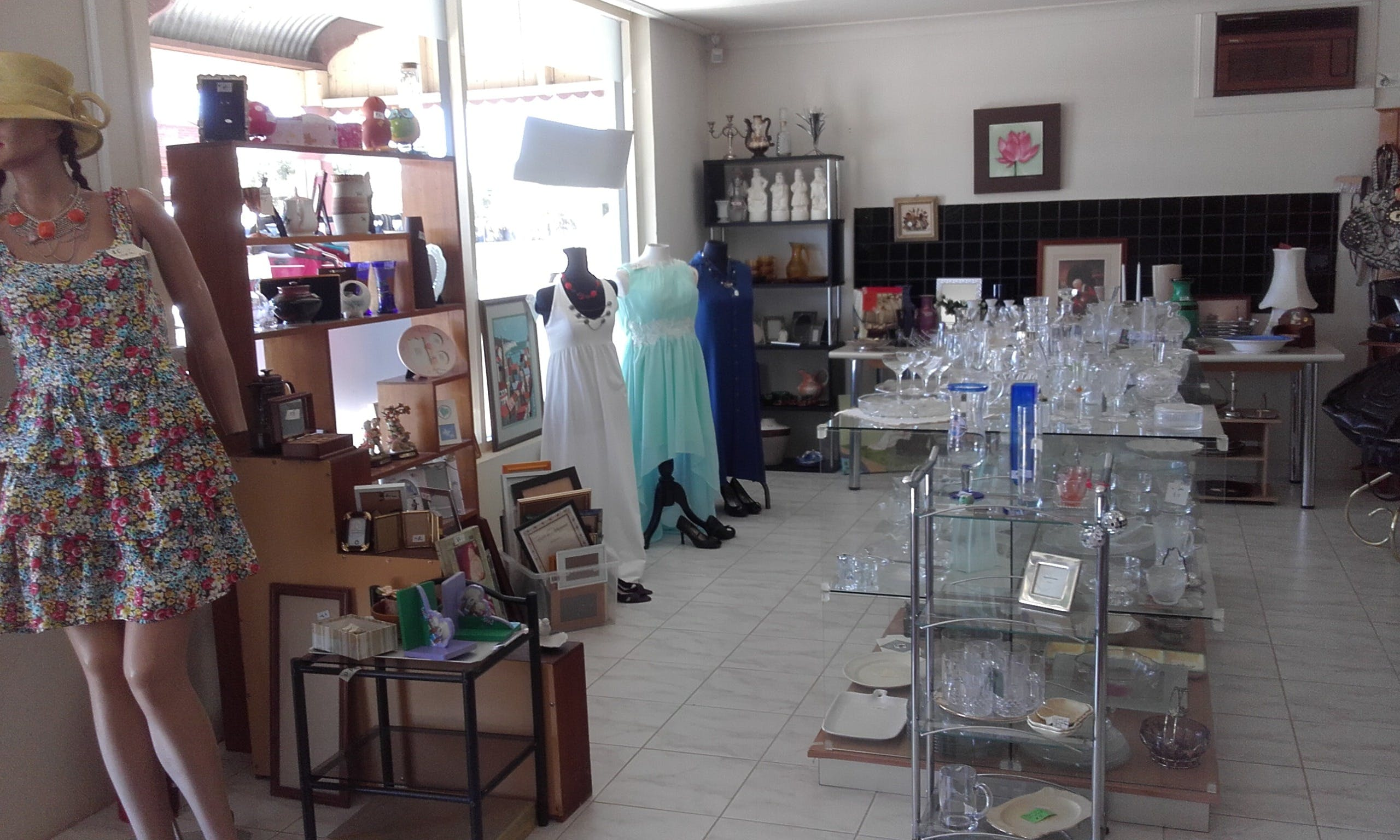 Hunters Haven Anglican Op Shop - VIC Tourism