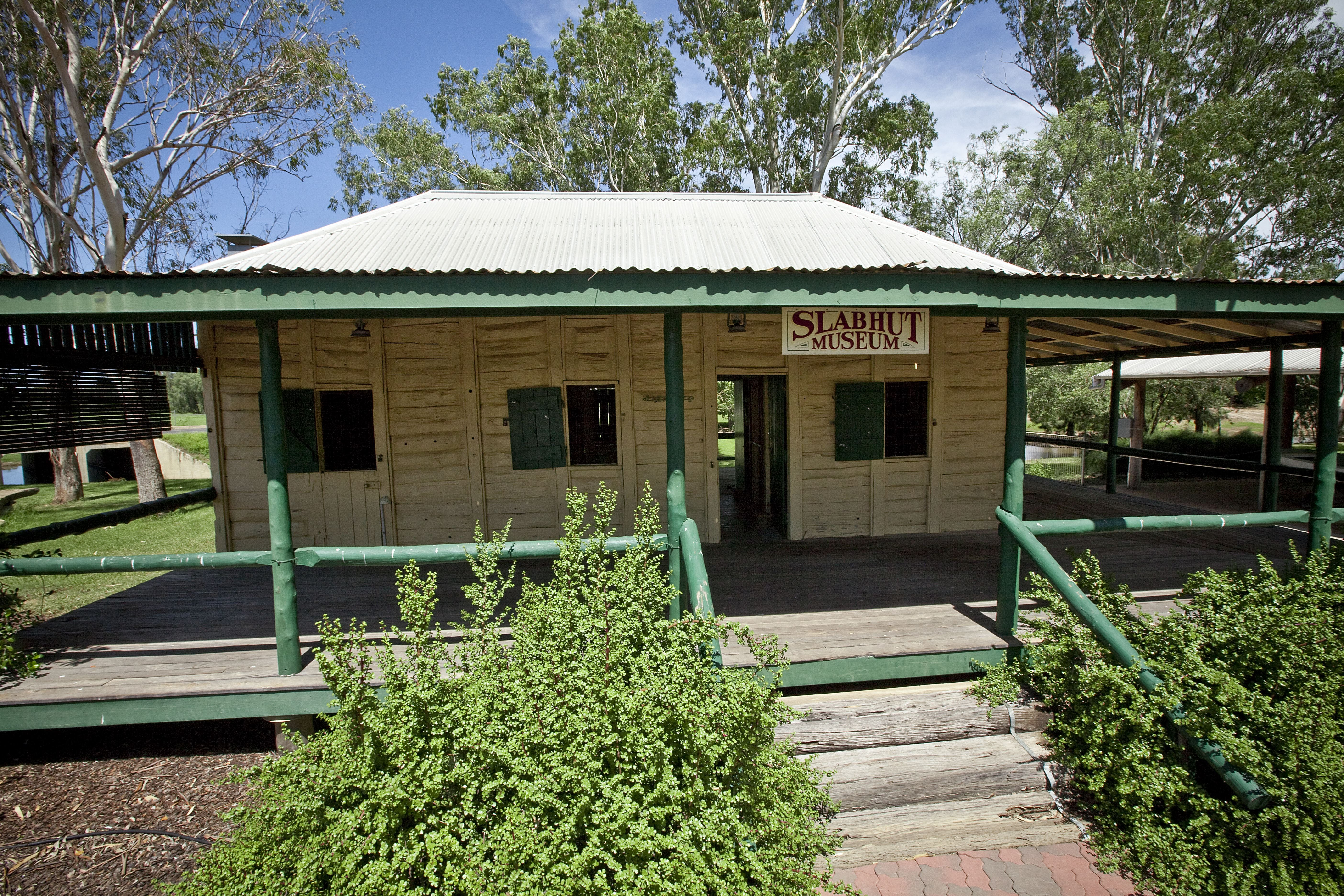 Lenroy Slab Hut - VIC Tourism
